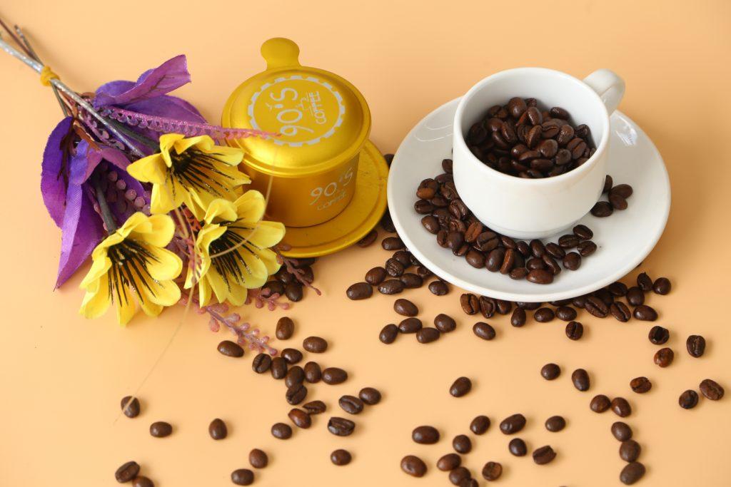 hương vị cafe hạt pha máy cao cấp 90S Coffee mang màu sắc riêng biệt