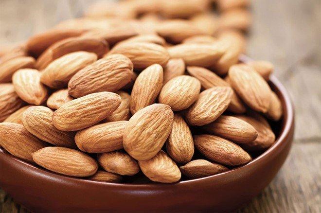 Hạt hạnh nhân cung cấp hàm lượng vitamin E rất cao