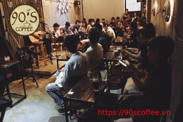 khach den quan cafe acoustic
