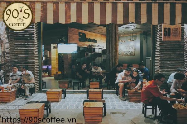 Khach hang thuong ghe tham quan cafe coc.