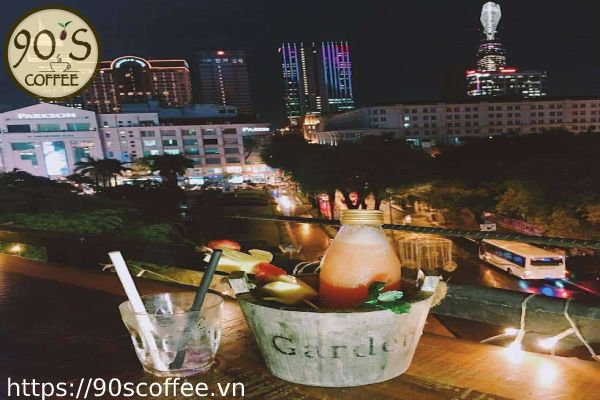 Goc ban cong view dinh cao.
