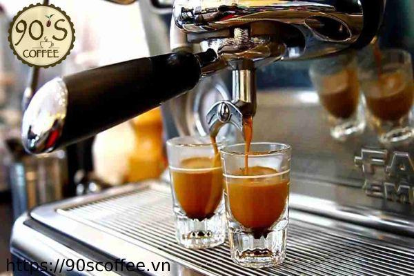 Nhung tach cafe thom ngon tu may pha cafe.