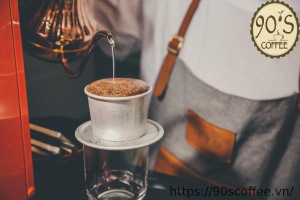lua chon phin pha ca phe bang nhom de pha vietnamese iced coffee
