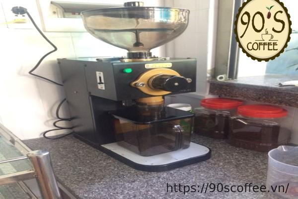 dac tinh cua may xay cafe